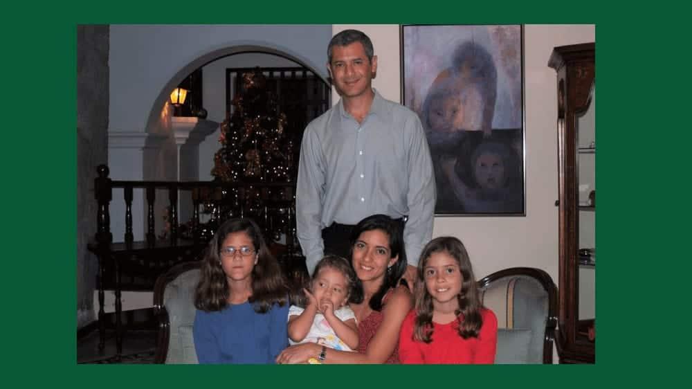 A photo of Isabella Ruffatti's family on Christmas.